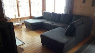 Kyllä tähän soffaan mahtuu löffiin!